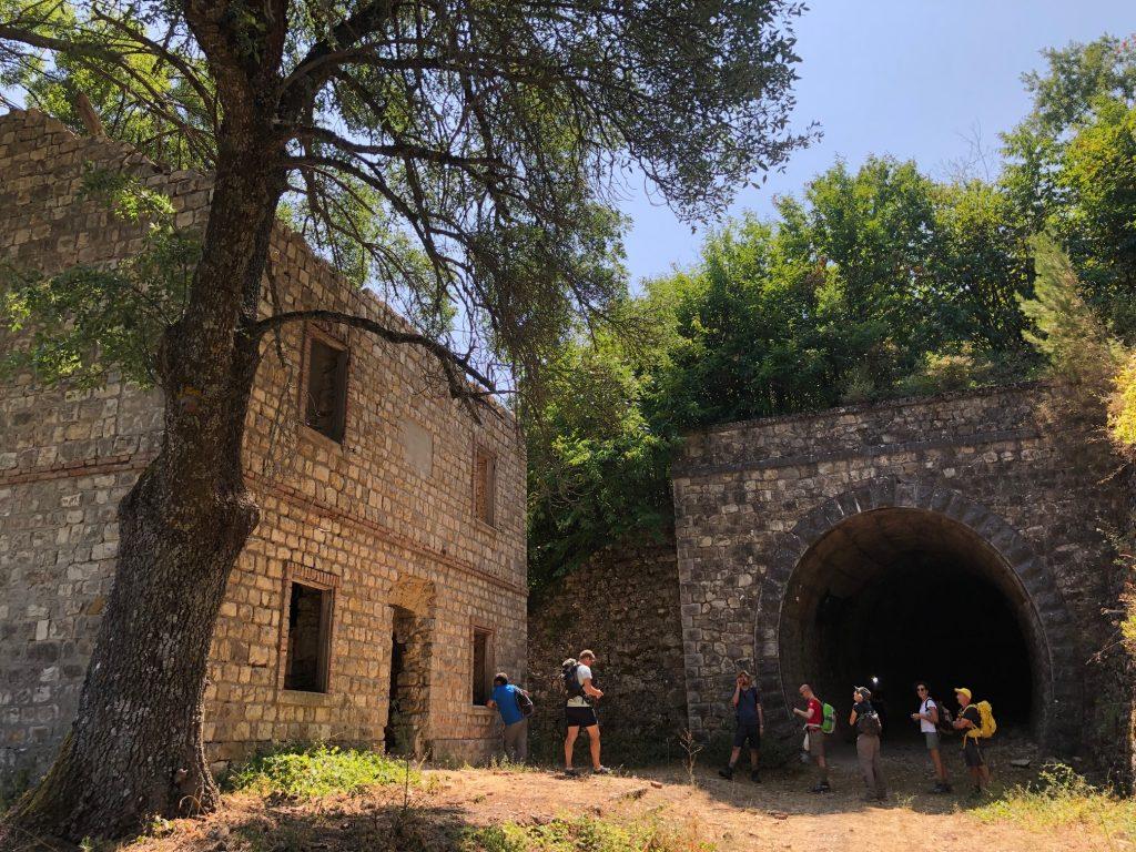 netural walk edifici dismessi ad abriola su antica linea ferroviaria